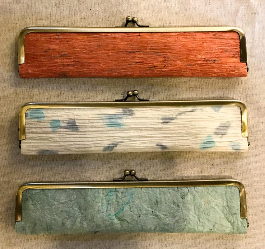 揉み和紙のペンケース(女性用扇子入れ)